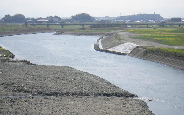 上野橋上流部河道掘削工事